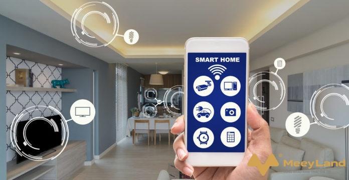 Anh 3 Ban se de dang quan ly can nha thong minh voi chiec smartphone tren tay Nguon Internet - Smart home là gì? Tổng hợp những điều cần biết về nhà thông minh - giai-phap-xay-dung