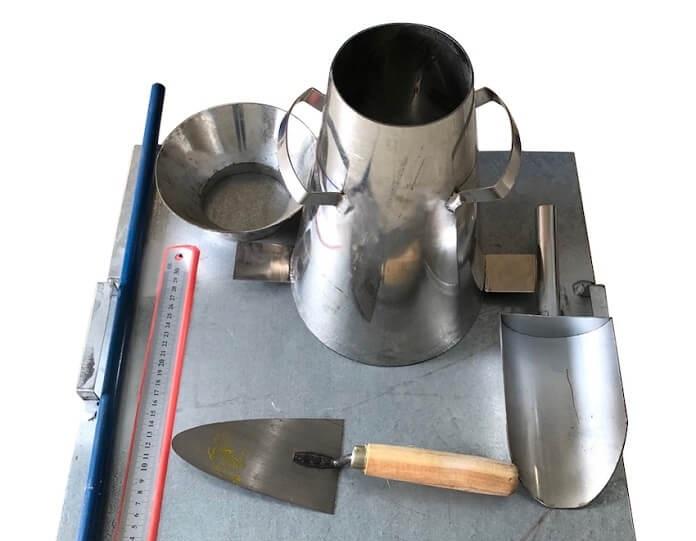 nhung dung cu can chuan bi 1 - Độ sụt bê tông là gì? Cách kiểm tra độ sụt bê tông chuẩn nhất - kien-thuc-xay-dung