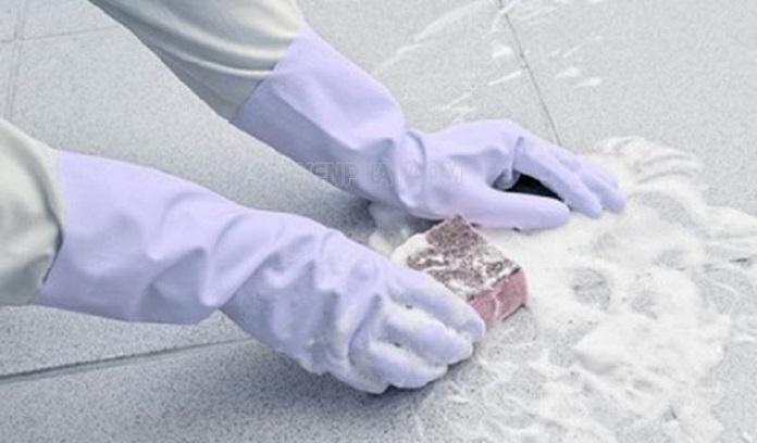 su dung chat tay rua chuyen dung lam sach vet xi mang - Cách tẩy xi măng bám vào gạch đơn giản ít người biết tới - giai-phap-xay-dung