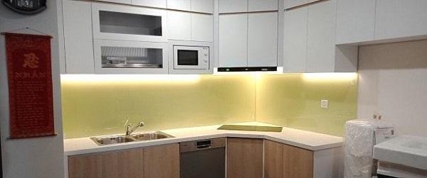 Kính Ốp Bếp Màu Vàng Sữa – Mẫu Kính Bếp Sang Trọng- Đẳng Cấp